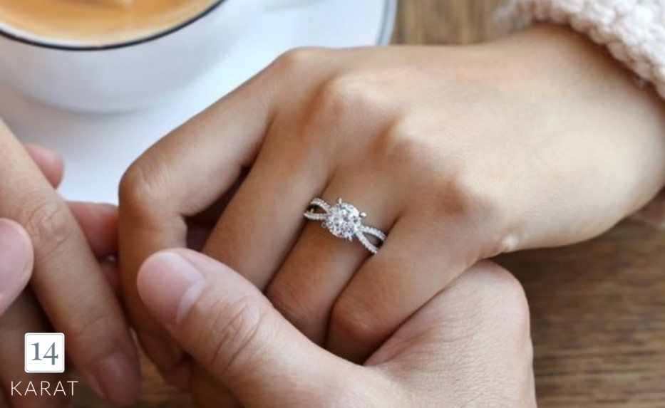 Seven times you should take off your engagement ring