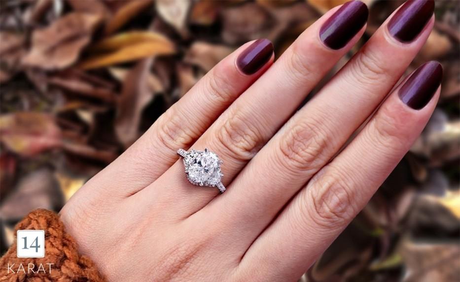 Diamond Spotlight: Oval cut diamonds