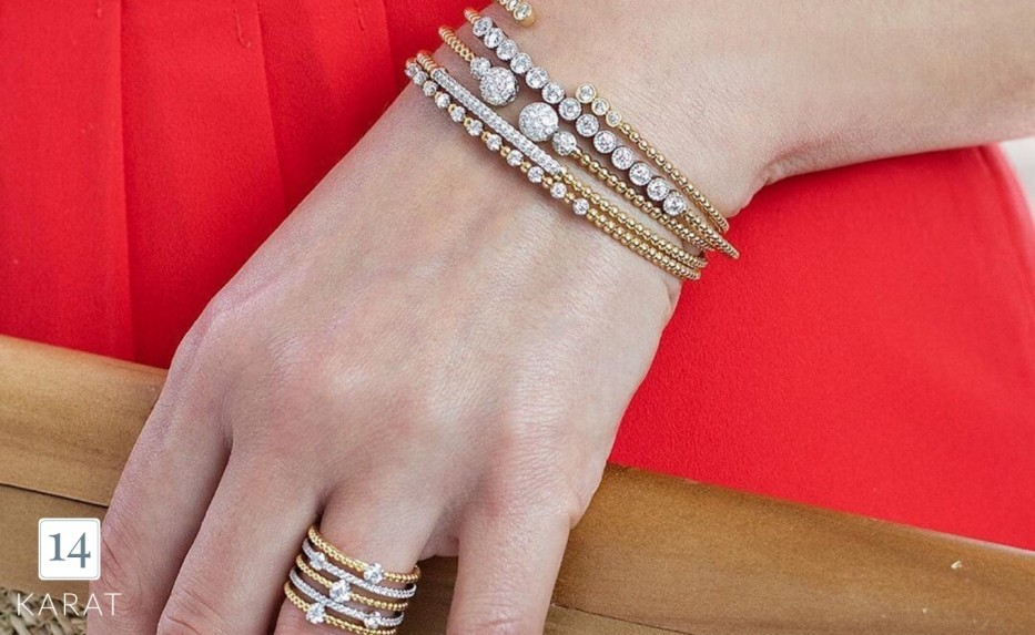 How to style your holiday jewelry