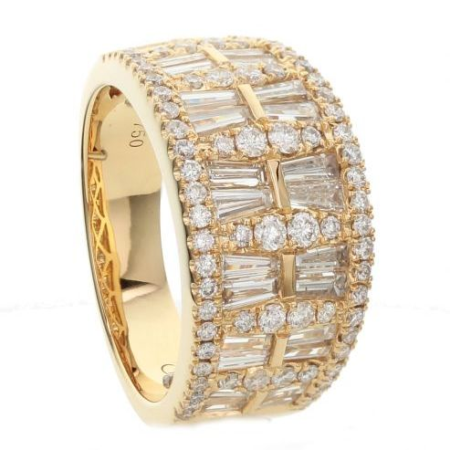 DIAMOND FASHION RING WITH ROUND AND BAGUETTE DIAMONDS
