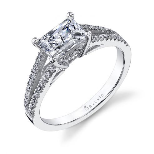 WHITE GOLD ENGAGEMENT RING WITH SPLIT SHANK