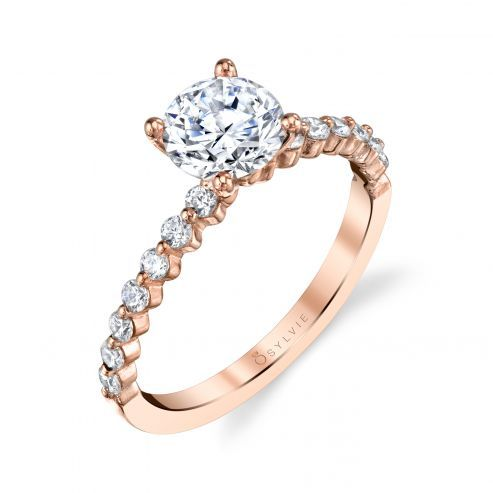 SOLITAIRE ENGAGEMENT RING WITH SIDESTONES